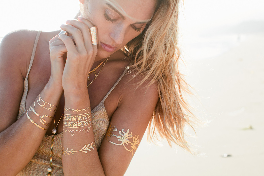 SPARK UP WITH THIS NEW GLITTERY SKIN BLING