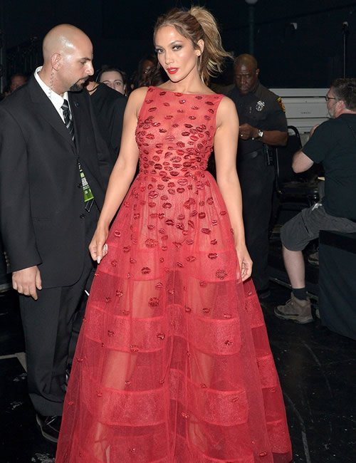 j-lo-ama-outfit-10