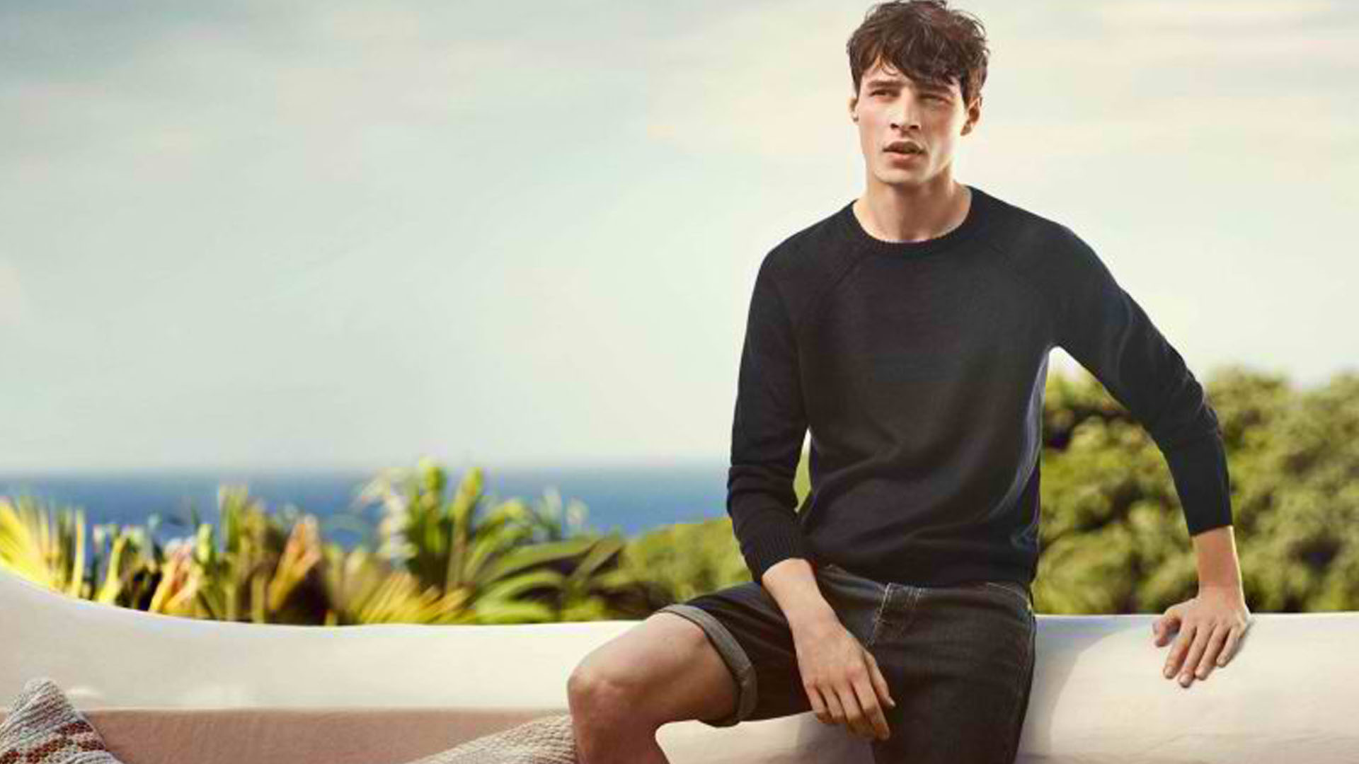 H&M BRINGS IN TROPICAL TASTEMAKER IN NEW COLLECTION