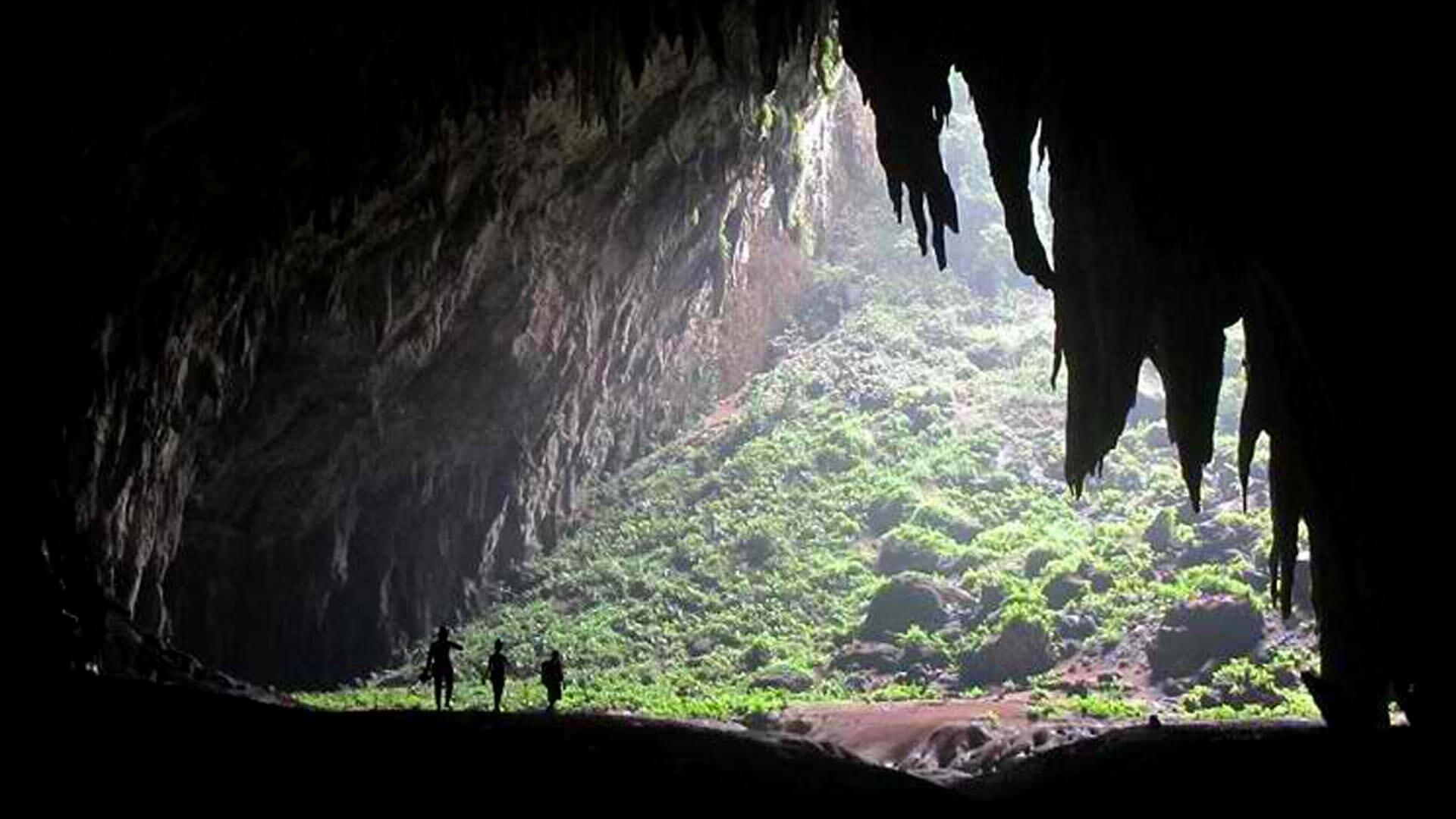 langun-gobingob-cave-calbiga