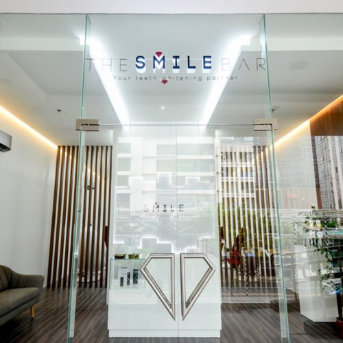 SMILE LIKE YOU MEAN IT WITH THE SMILE BAR