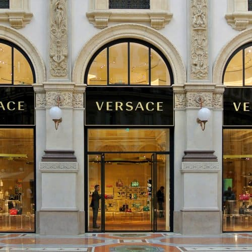 MICHAEL KORS SEALS THE DEAL WITH VERSACE