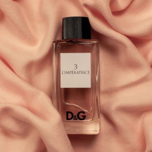 TOP 5 SCENTS FOR MEN AND WOMEN TO TRY THIS YEAR