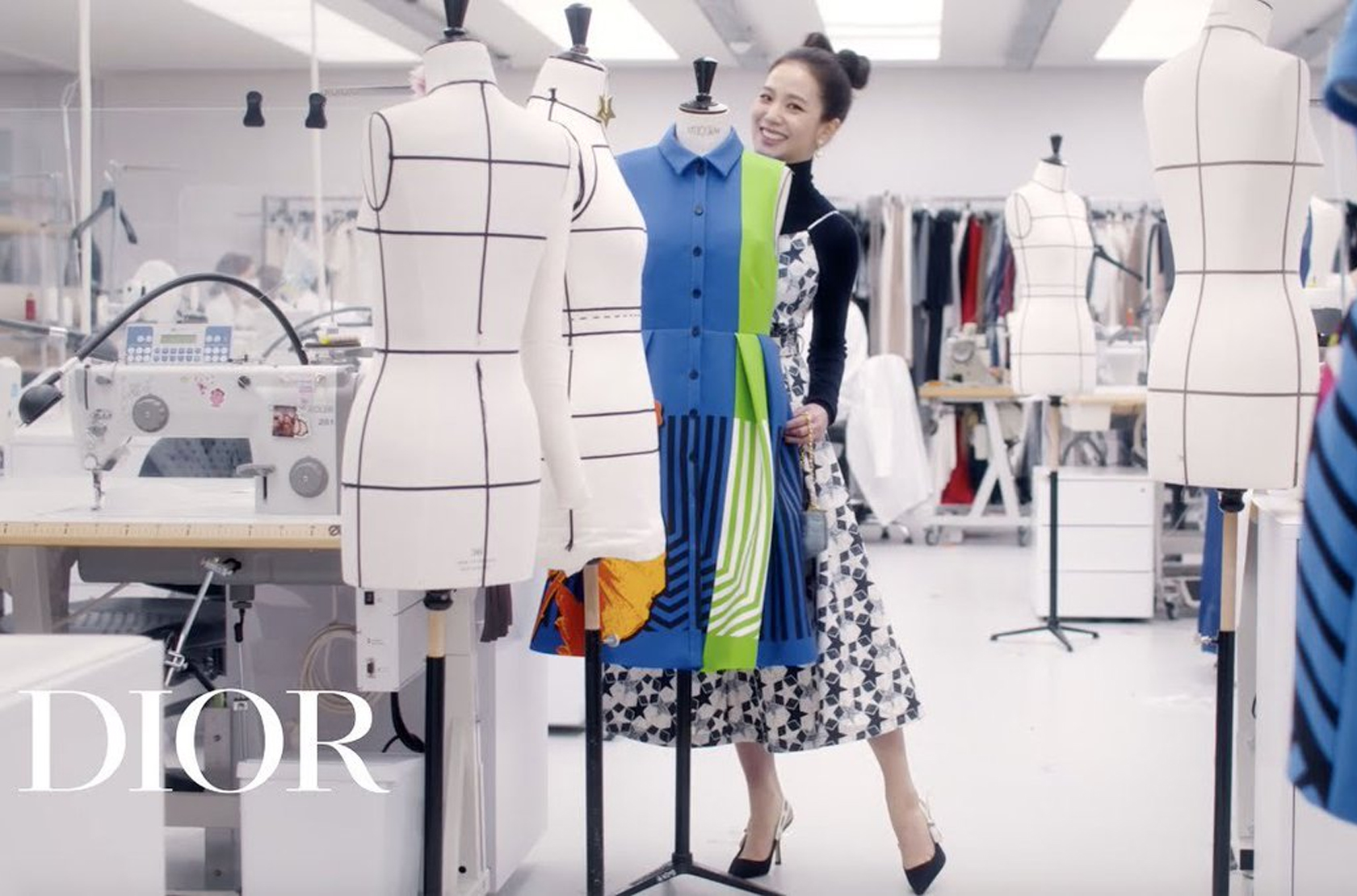 WATCH JISOO IN THIS NEW VIDEO AS SHE EXPLORES DIOR